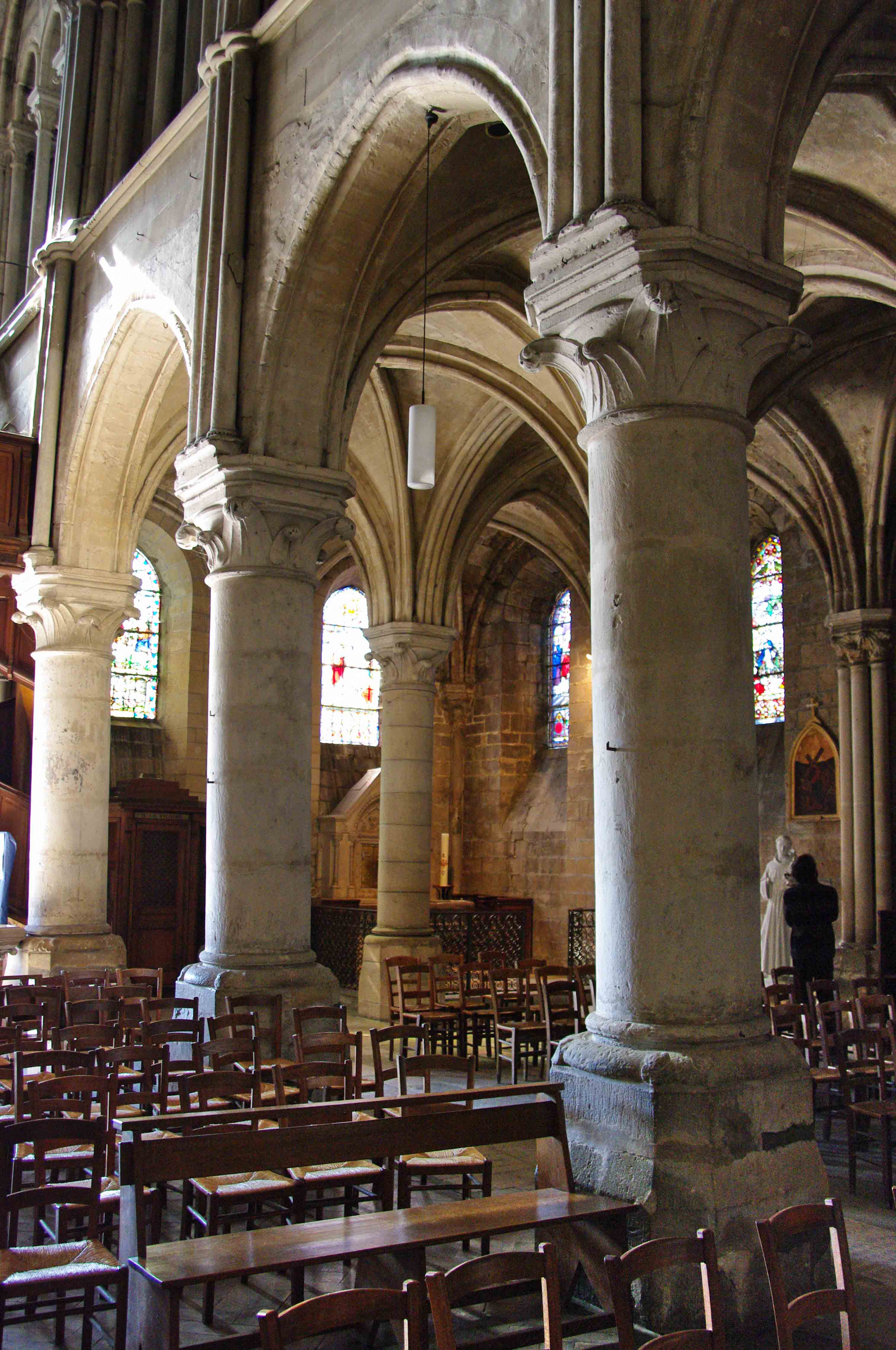 Glise saint laurent beaumont sur oise for Interieur architecture