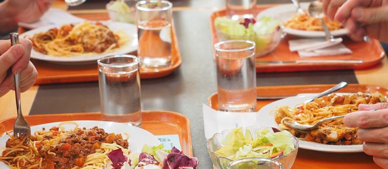 La cantine scolaire beaumont sur oise for Emploi cuisinier cantine scolaire